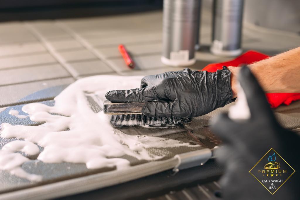 myjnia samochodowa Rzeszów - Ile kosztuje pranie tapicerki w Rzeszowie